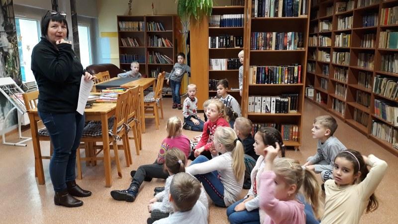 W bibliotece szkolnej